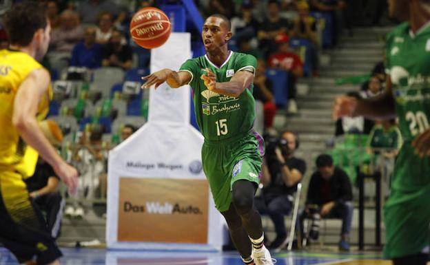 El Unicaja corta a Jamar Smith