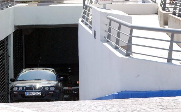 Los hechos ocurrieron en el 'parking' de la calle Camas.