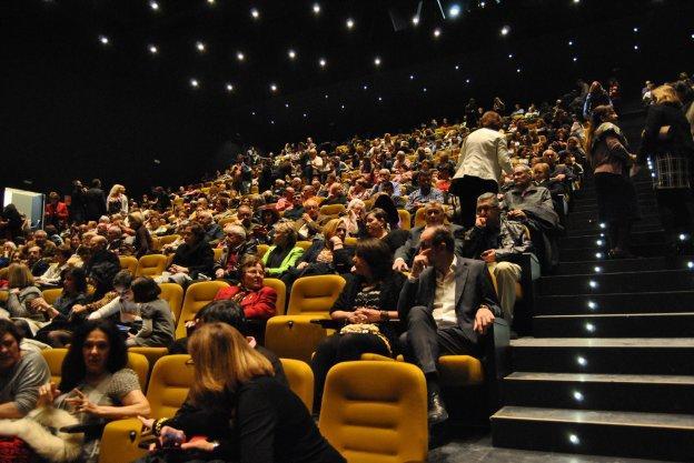 Estepona recupera una sala de cine tras 11 a os del cierre del veracruz diario sur - Cine goya puerto banus ...