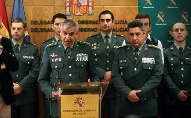 Los coroneles Sánchez Corbí y Jambrina Rodríguez durante la rueda de prensa./ABC