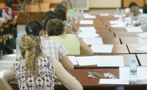 Oferta de empleo p blico para profesores de secundaria y for Vacantes para profesores