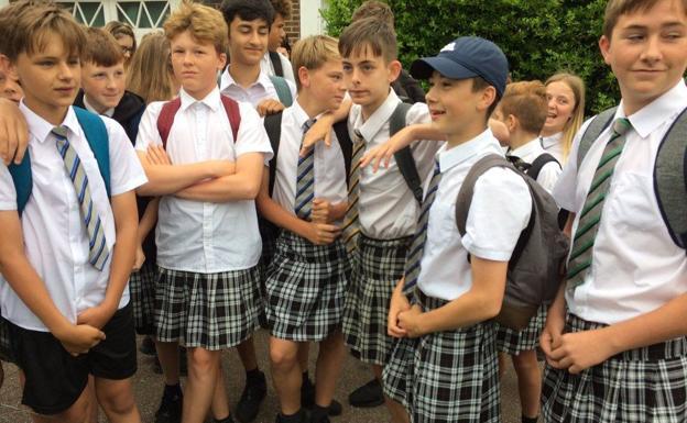 efd4dafd3 La batalla contra la falda en el uniforme escolar   Diario Sur
