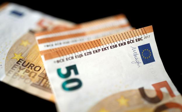 Imagen de archivo de billetes de 50 euros./Reuters
