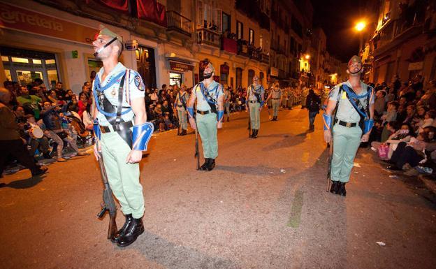 La imagen de legionarios por la calle Carretería no se repetirá el próximo Jueves Santo. /