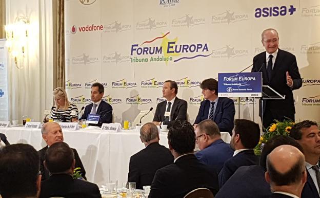 El alcalde, durante su intervención en el desayuno informativo de Nueva Economía Fórum/Salvador Salas