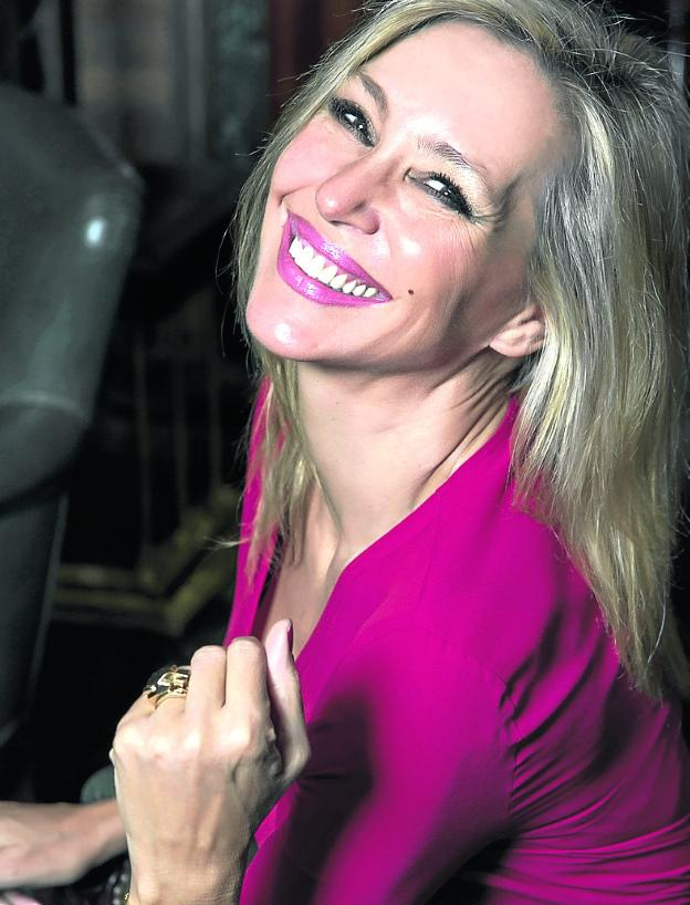 La escritora Marta Robles. :: r. c. /