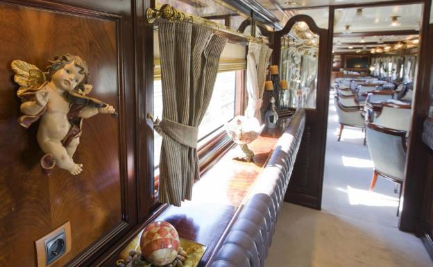 Interior del tren turístico Al-Andalus.