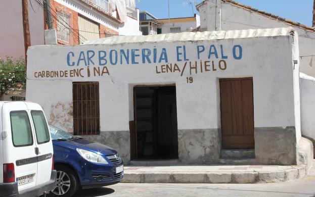 Carbonería El Palo, un viaje a la historia de la calle Real