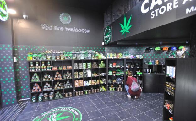 la-tienda-del-cannabis-abre-en-el-centro-de-málaga