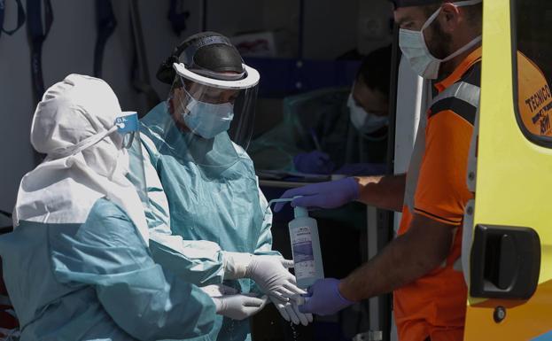 Coronavirus en Málaga: Una muerte, dos hospitalizados más y otro brote en una residencia de ancianos