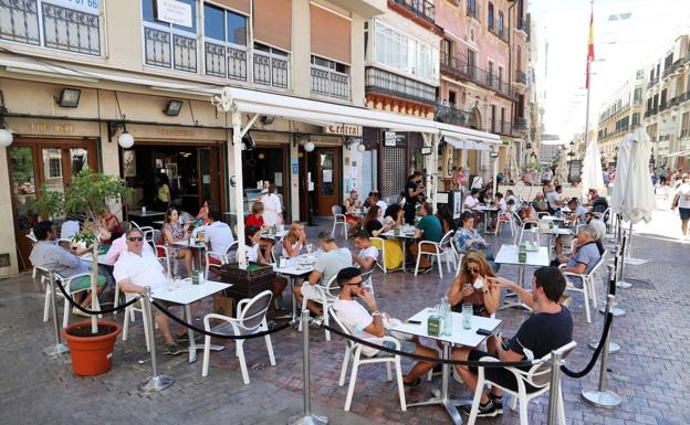 ¿Qué municipios de Andalucía podrán abrir bares y comercios hasta las 21.30 horas?