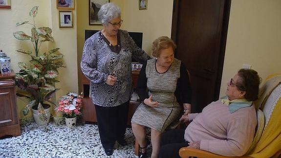 Madrid abre la primera residencia de ancianos LGTBI pública del mundo